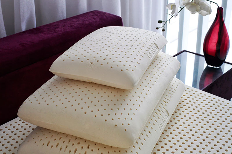 Выбирать подушку нужно не только по наполнению, но и по размеру