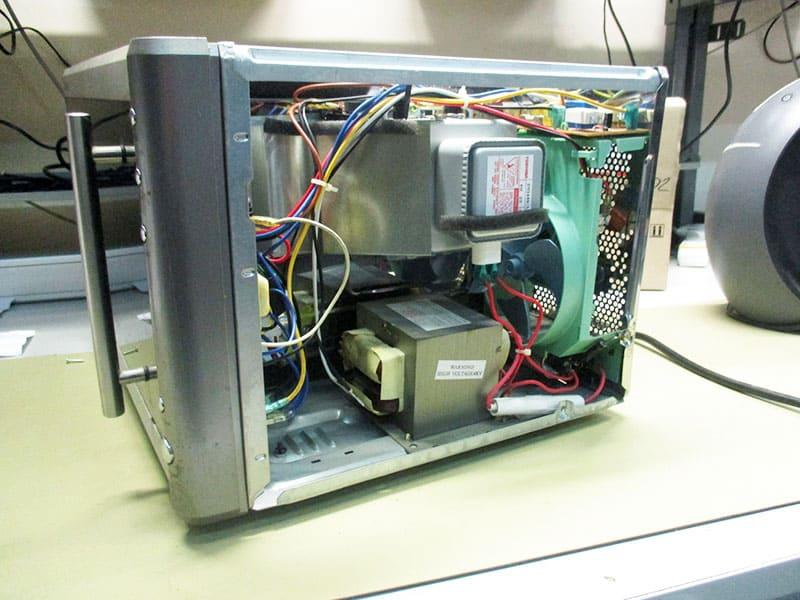 Поломка сенсорной панели и сгорание предохранителя – распространённые проблемы