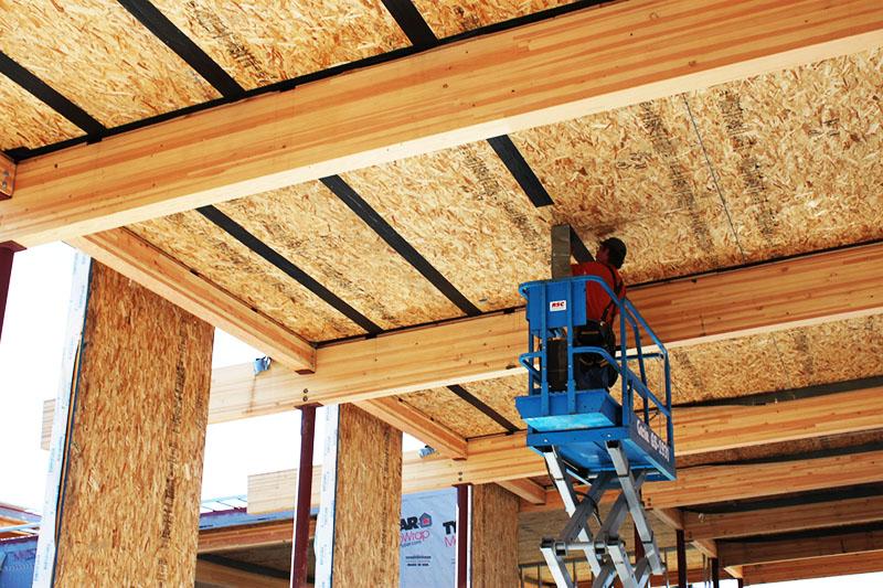 Для работы необходимо найти именно опытных строителей, знакомых с технологией