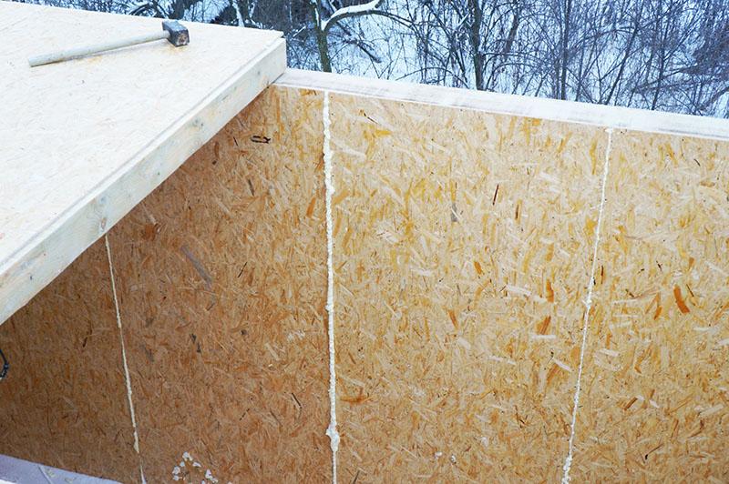 Тёплая СИП-крыша может быть собрана и на земле