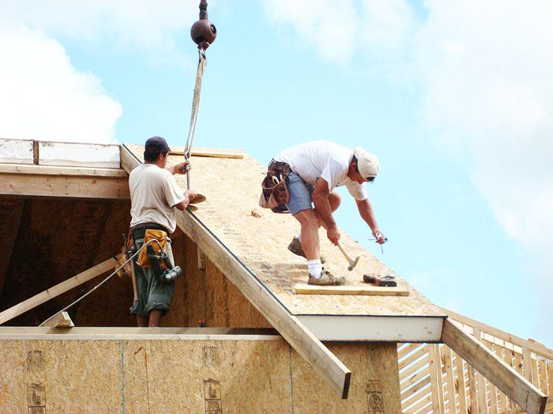 Монтировать СИП-крыши можно в любую погоду