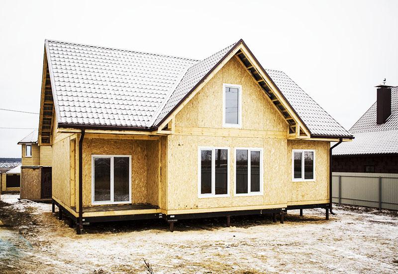 При наличии опыта у строителей такие дома возводятся максимально быстро