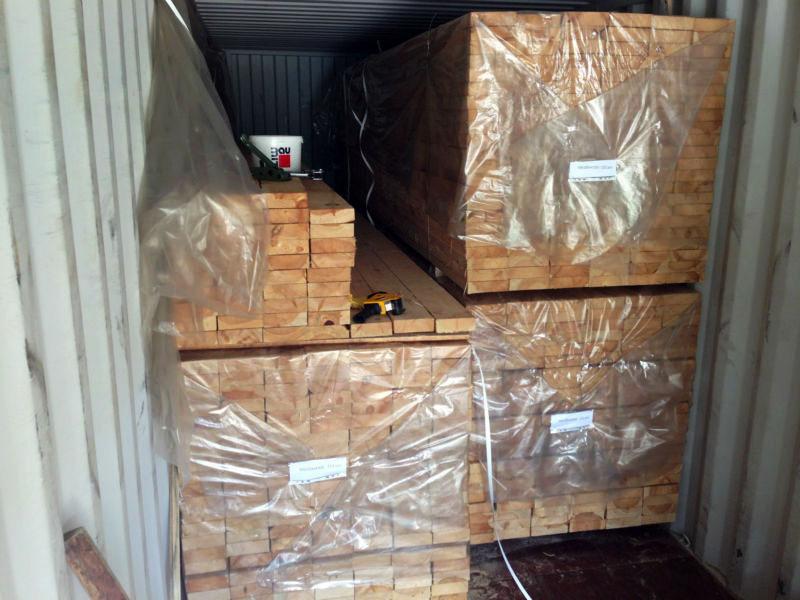 Такая упаковка может быть временным решением для транспортировки в течение 1-2 дней, и лишь при условии, что древесина высушена