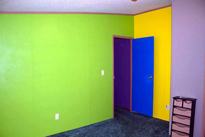 Выбор расцветок для любого жилого помещения ограничивается только лишь широтой воображения и фантазией мастера