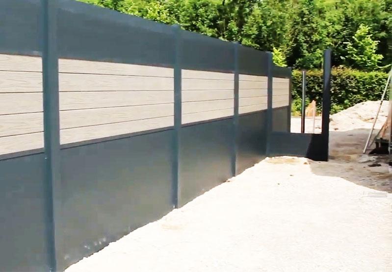 Смонтированный забор очень прочен, но при этом выглядит довольно эстетично