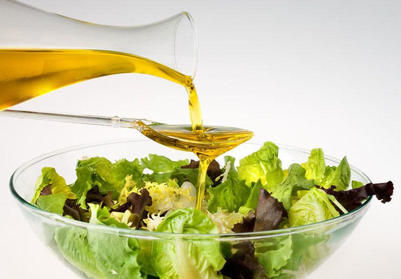 Оставьте оливковое масло для заправки салатов