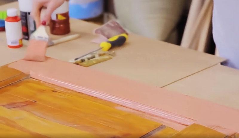 Мазки должны быть такими, чтобы равномерно распределить краску на всей поверхности