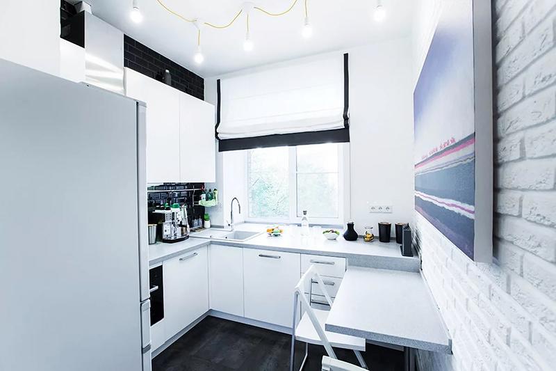 Даже на маленькой кухне можно уместить всё необходимое