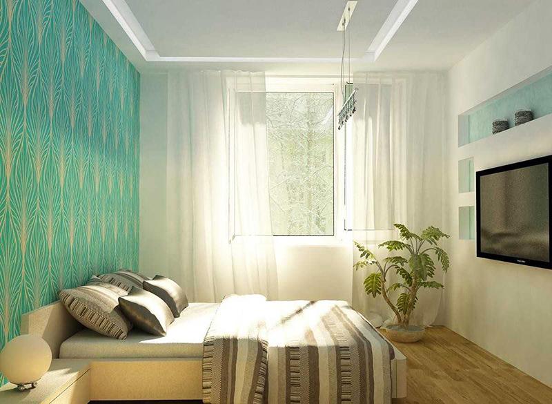 Для украшения комнаты на одну из стен приклеивают цветные обои