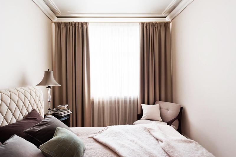 Бежевые тона в спальне смотрятся благородно