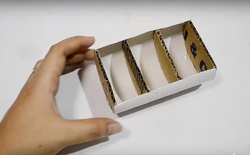 Внутренние перегородки должны находиться на равном расстоянии друг от друга, как показано на фото