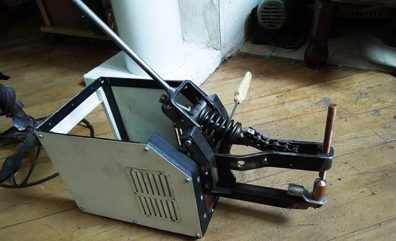 Сварочник с механическим приводом