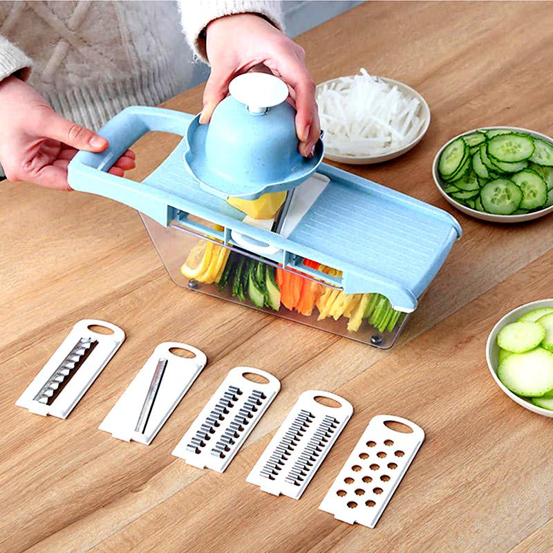 Многофункциональный измельчитель подходит для приготовления идеальных салатов и заправок