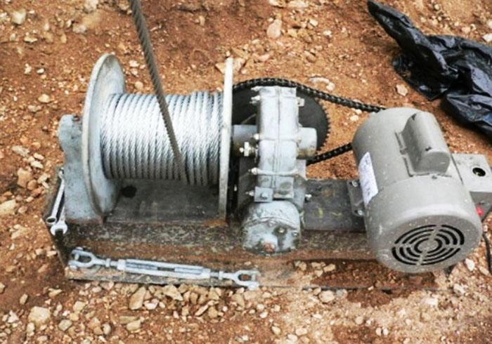 Барабанная лебёдка с электроприводом и редуктором