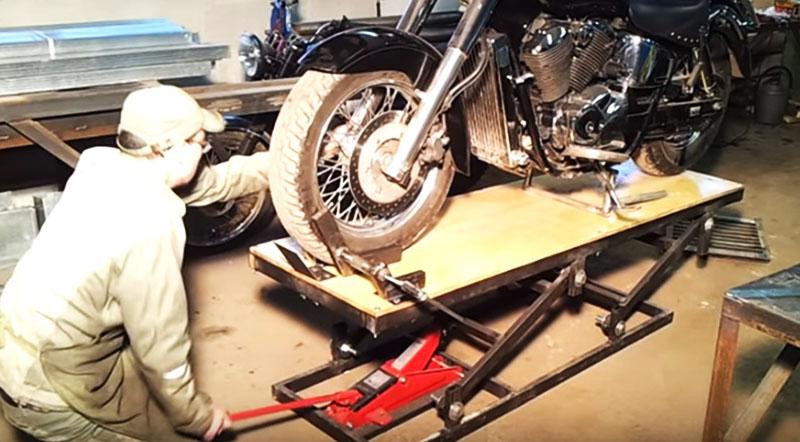 Самодельный подъёмник ножничного типа с приводом от домкрата