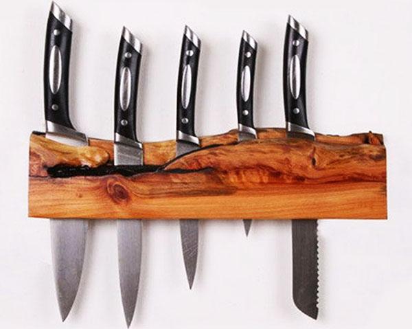 Вариант подставки для охотничьих ножей
