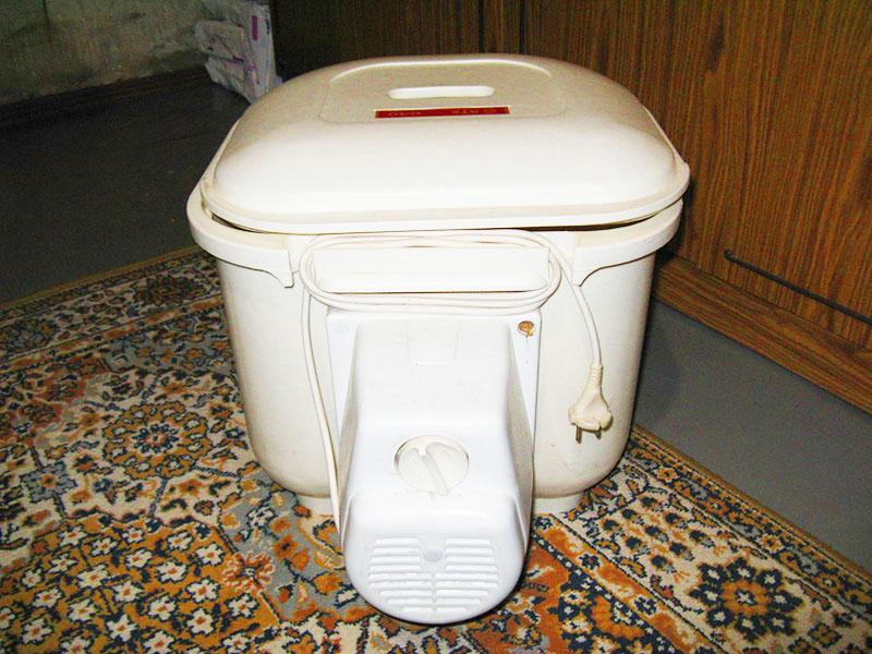 Рынок бытовой техники предлагает разнообразный выбор малогабаритных стиральных агрегатов, но люди по большей части предпочитают машины типа «Малютка»