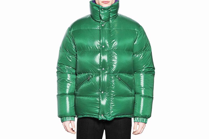 В куртке из нейлона вы можете спокойно гулять под дождём