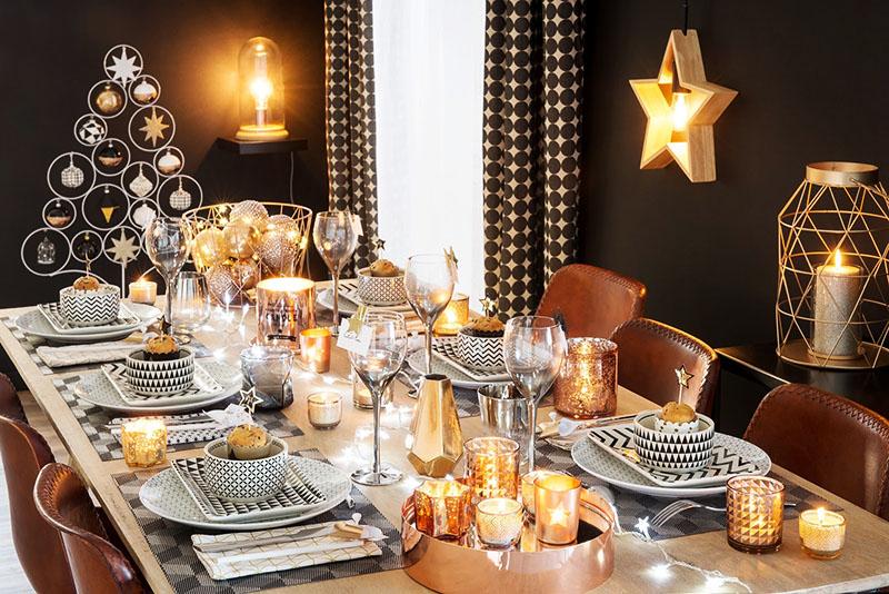 Светильники на стенах дополнят новогоднюю атмосферу