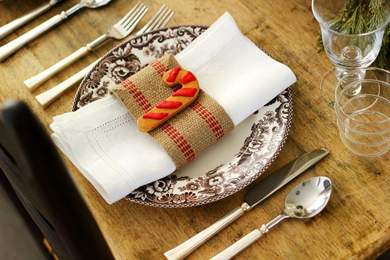 Красивые кольца-держатели для салфеток украсят любой стол