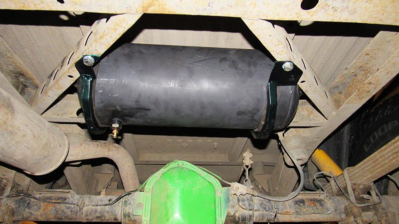 На автомобильных ресиверах предохранительные клапаны уже установлены