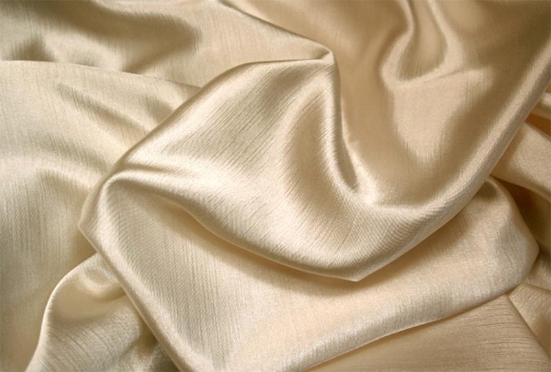 Можно сшивать заготовки швом «зигзаг», при этом, обе части следует немного растягивать