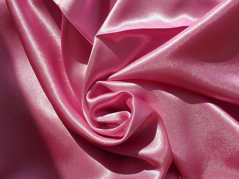 По включению в состав spandexa сатина можно определить, как называется блестящая ткань