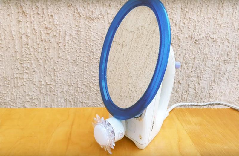 Итак – вы получили настольное зеркало на надёжной подставке с ручкой, которое можно поставить на туалетный столик