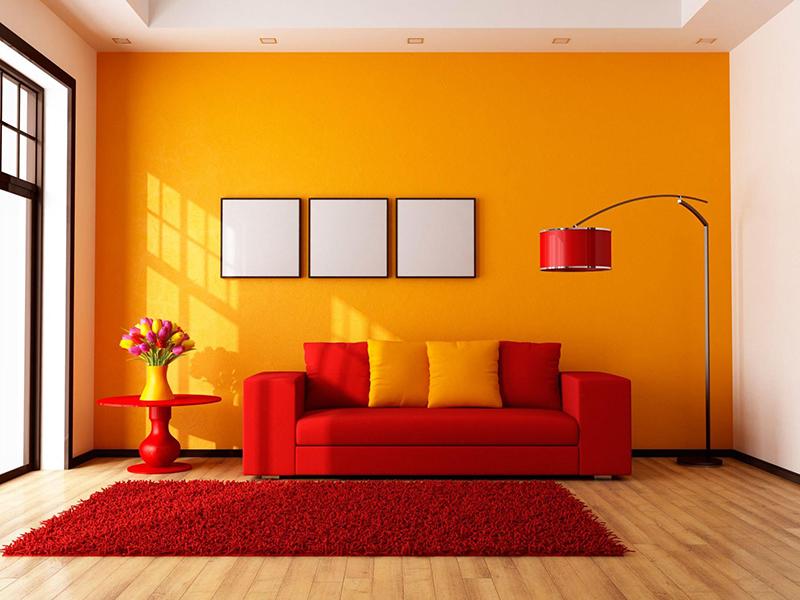 Делая стены яркими в стиле лофт, отдавайте предпочтение серой, минималистичной мебели, чтобы не перенасытить интерьер цветовыми пятнами. Если всё же вы хотите как можно больше ярких пятен, то выберите один цвет для стен, другой для мебели, например, оранжевый и красный