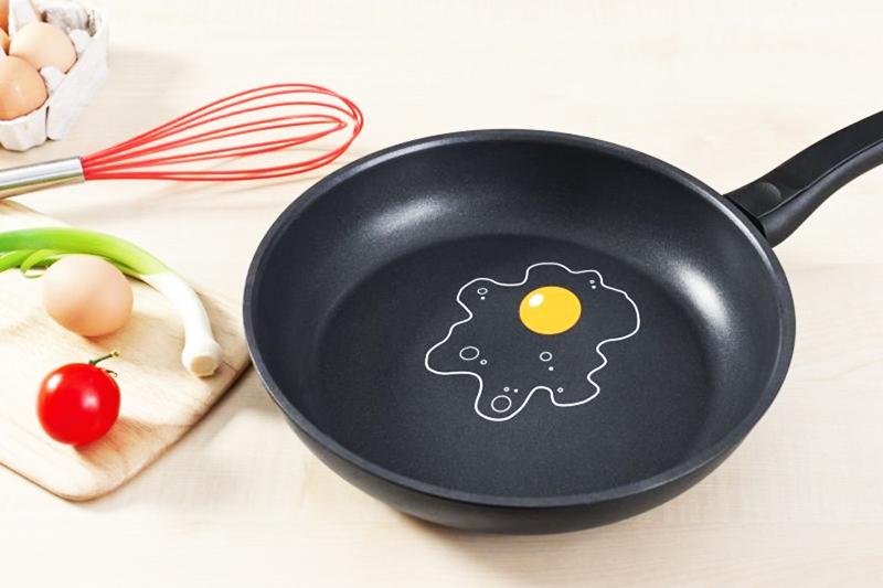 У многих срок службы сковороды с тефлоновым покрытием не превышает одного года