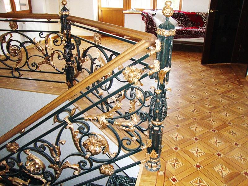 Перила в стиле барокко – кованое чудо в частном доме