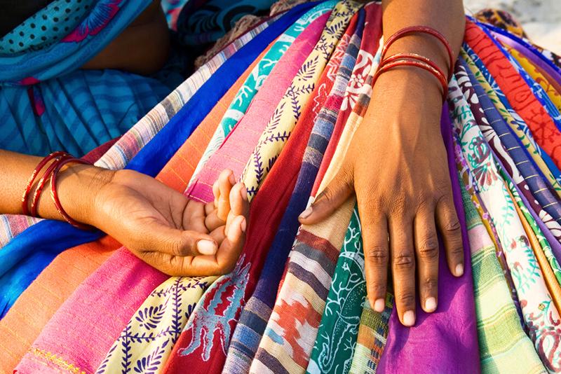 Восточные производители выпускают яркий текстиль, отличающийся стойкостью красок
