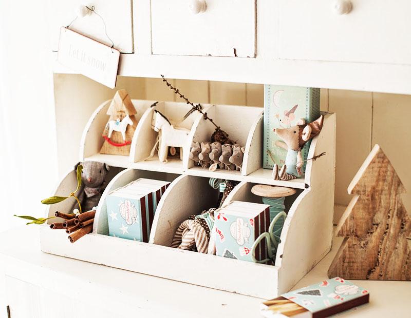 Если вы хотите поддерживать порядок на рабочем столе, на кухне и в квартире в целом, приобретите несколько органайзеров