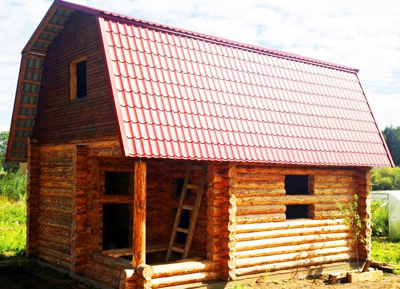 На банях отлично смотрится крыша из металлочерепицы