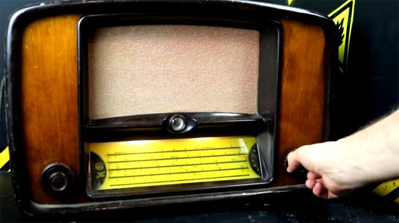 Bluetooth-колонка из радио