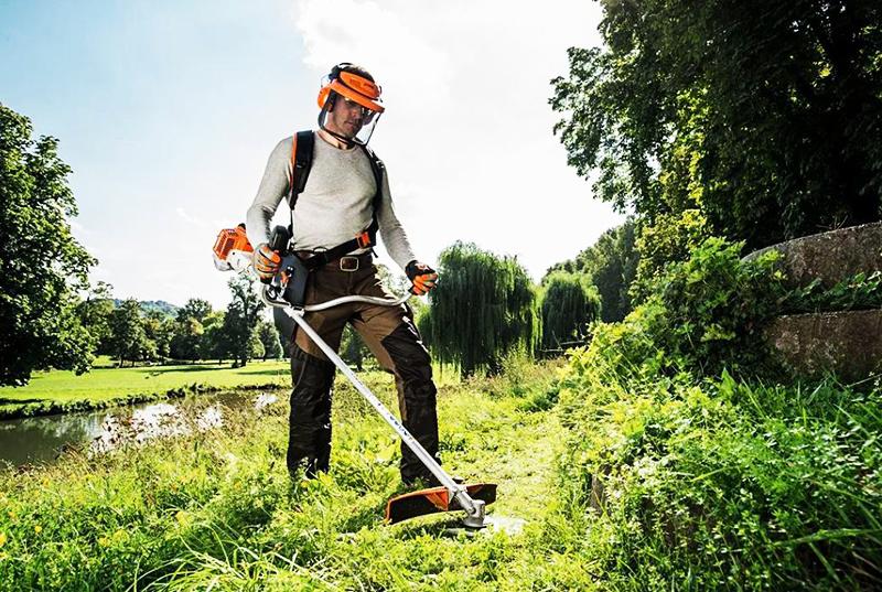 От правильной установки лески зависит качество покоса травы