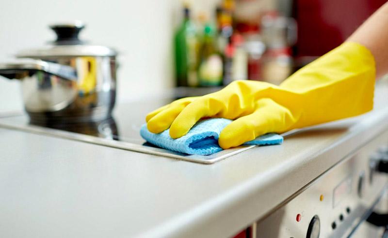 Обязательно используйте перчатки при работе с уксусом, лимонной кислотой и другими едкими веществами