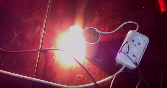 Проверка работоспособности конденсатора электролампой