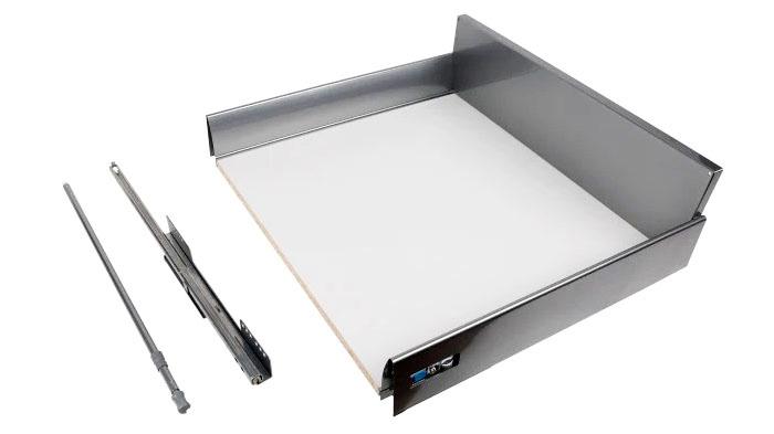 Ящик устойчив к ударам и царапинам, перепадам температуры, повышенным нагрузкам. Размеры изделия: высота ─16,5 см, ширина ─ 60 см