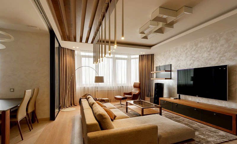 Используйте деревянные рейки и панели для оформления комнаты