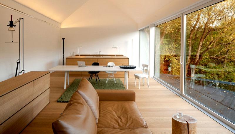 При строительстве нового загородного дома выберите одну стену, которая будет сделана из стекла