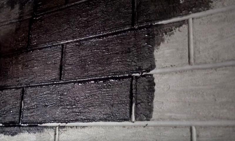 Для получения лучшей укрывистости покрытие наносим в два слоя