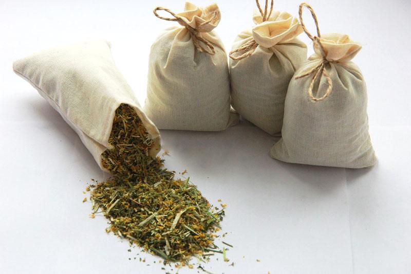Для ароматизации дома подойдёт лаванда, мята, полынь, мелисса