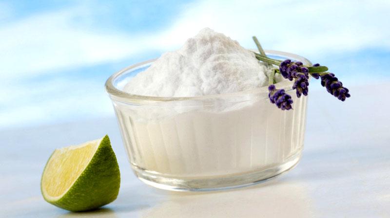 Для ароматизации квартиры добавьте в стакан с солью веточку лаванды