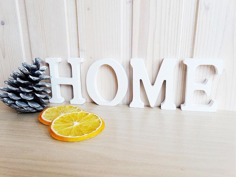 Надпись «Home» − один из самых распространённых вариантов декора