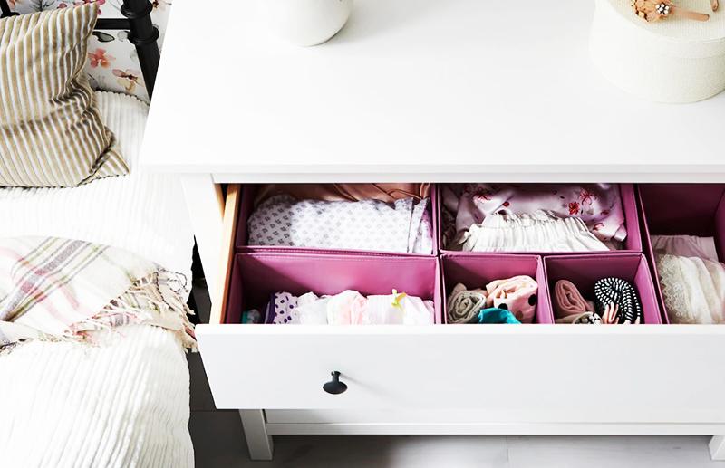 Для безопасности ваших детей мебель серии ХЕМНЭС можно прикрепить к стене