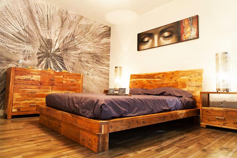 Необычный вариант оформления комнаты – использование фотообоев на одной стене