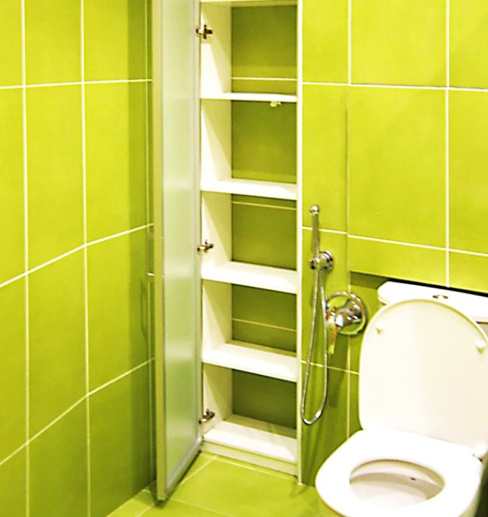 Хозяйственный шкаф в туалете