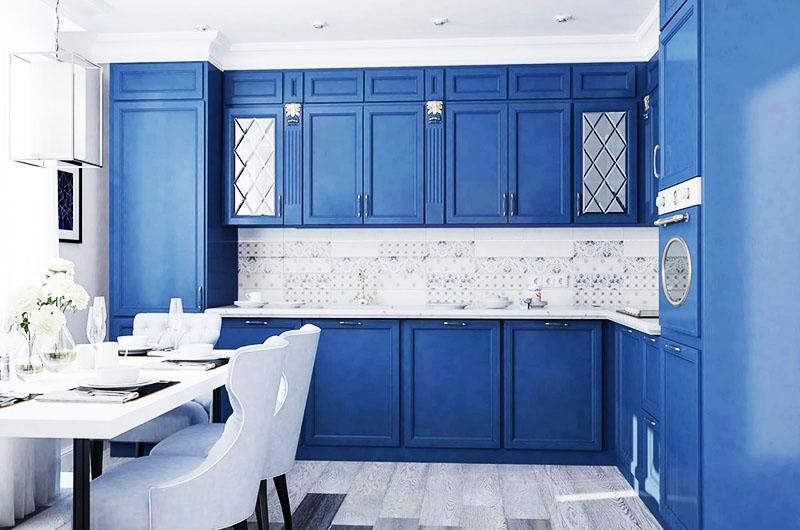 Чтобы ремонт выглядел дорого, приобретайте кухонный гарнитур, покрашенный матовой краской, или переделайте старую мебель своими руками