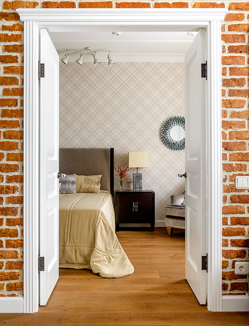 Двери покрасили белой матовой краской